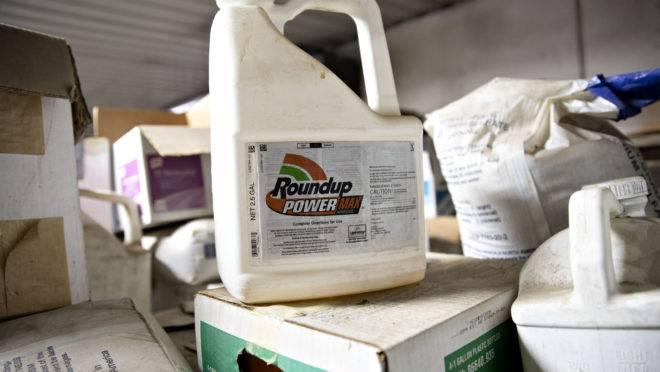 O herbicida Roundup, da Bayer, está no centro de milhares de ações judiciais nos EUA que acusam o produto de provocar câncer.