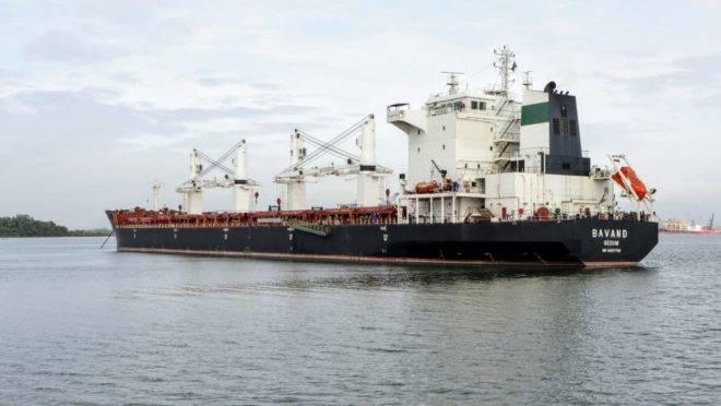 Porto de Paranaguá, embarcação da Petrobras