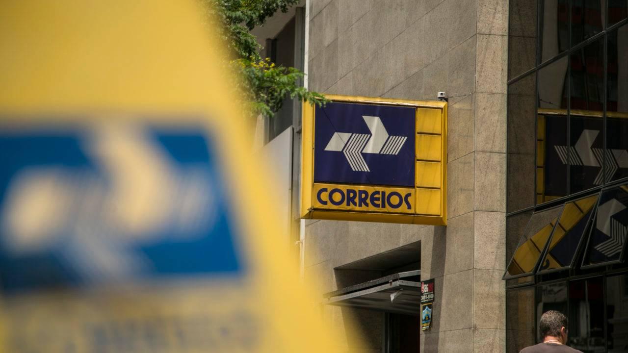 Bolsonaro afirmou que Correios estão na mira de privatizações