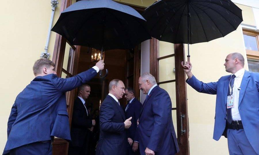 """O """"último ditador da Europa"""" completa 25 anos no poder"""