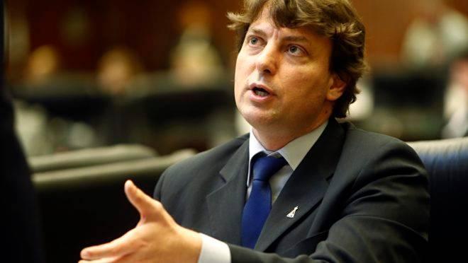 Deputado Anibelli Neto tem bens bloqueados por ordem da Justiça