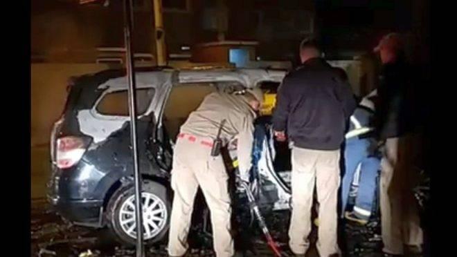 Carro pegou fogo após o acidente. Foto: Reprodução Facebook