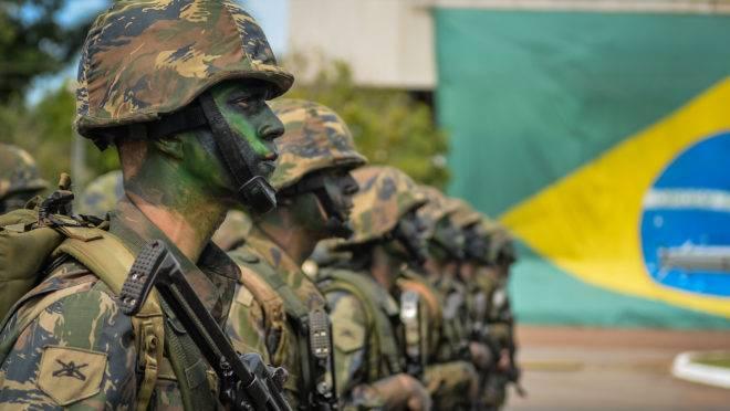 Preocupação do alto comando é evitar a contaminação política nas fileiras do Exército.