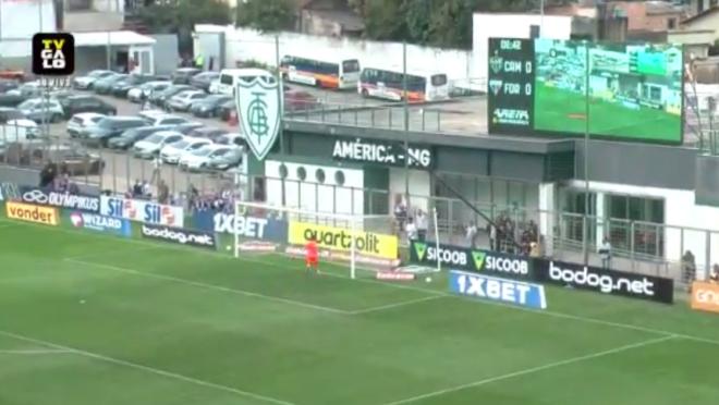 Brasileirão: Gol contra de Juninho do Fortaleza contra Atlético-MG; vídeo