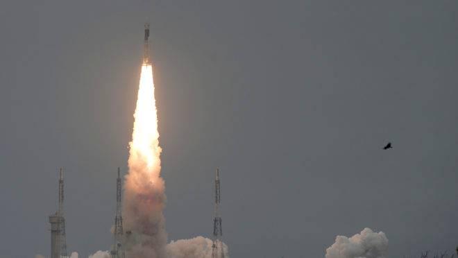 Chandrayaan-2, da Organização Espacial da Índia (ISRO), é lançada