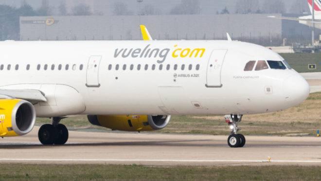Nome da tatuadora curitibana em avião da companhia Vueling