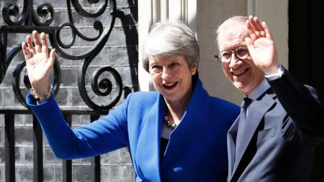 Theresa May se despede do cargo de primeira-ministra do Reino Unido