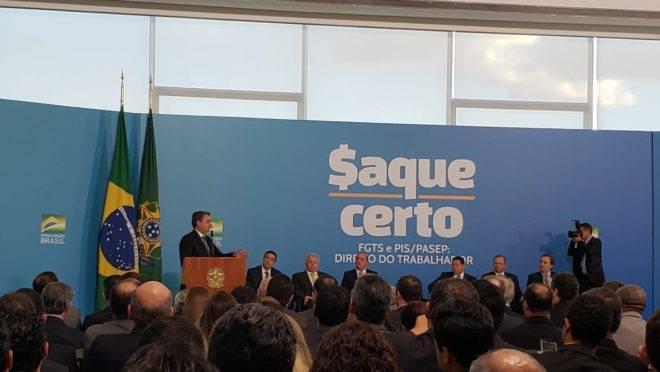 O presidente Jair Bolsonaro discursa no anúncio da liberação dos recursos do FGTS.