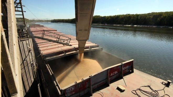 Porto de Utica, nos EUA: China autorizou algumas empresas a importar soja sem tarifação do país americano.