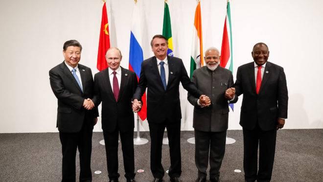 Bolsonaro e os demais líderes dos Brics, na cúpula do G20 no Japão: Xi Jinping (China), Putin (Rússia), Narenda Modi (Índia) e Cyril Ramaphosa (África do Sul).