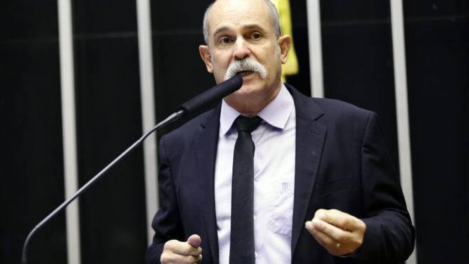 Sargento Fahur (PSD) discursa no plenário da Câmara dos Deputados