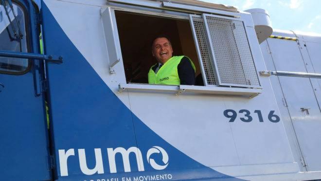 Presidente da República, Jair Bolsonaro, em vagão da Rumo, em Anápolis (GO): Ferrovia Norte-Sul.