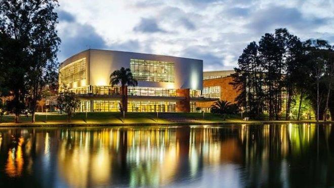 Universidade Positivo é quem promove o evento.