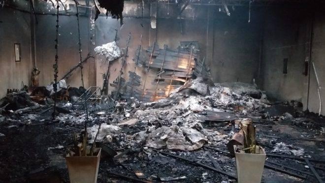 Imóvel do centro religioso após o incêndio controlado