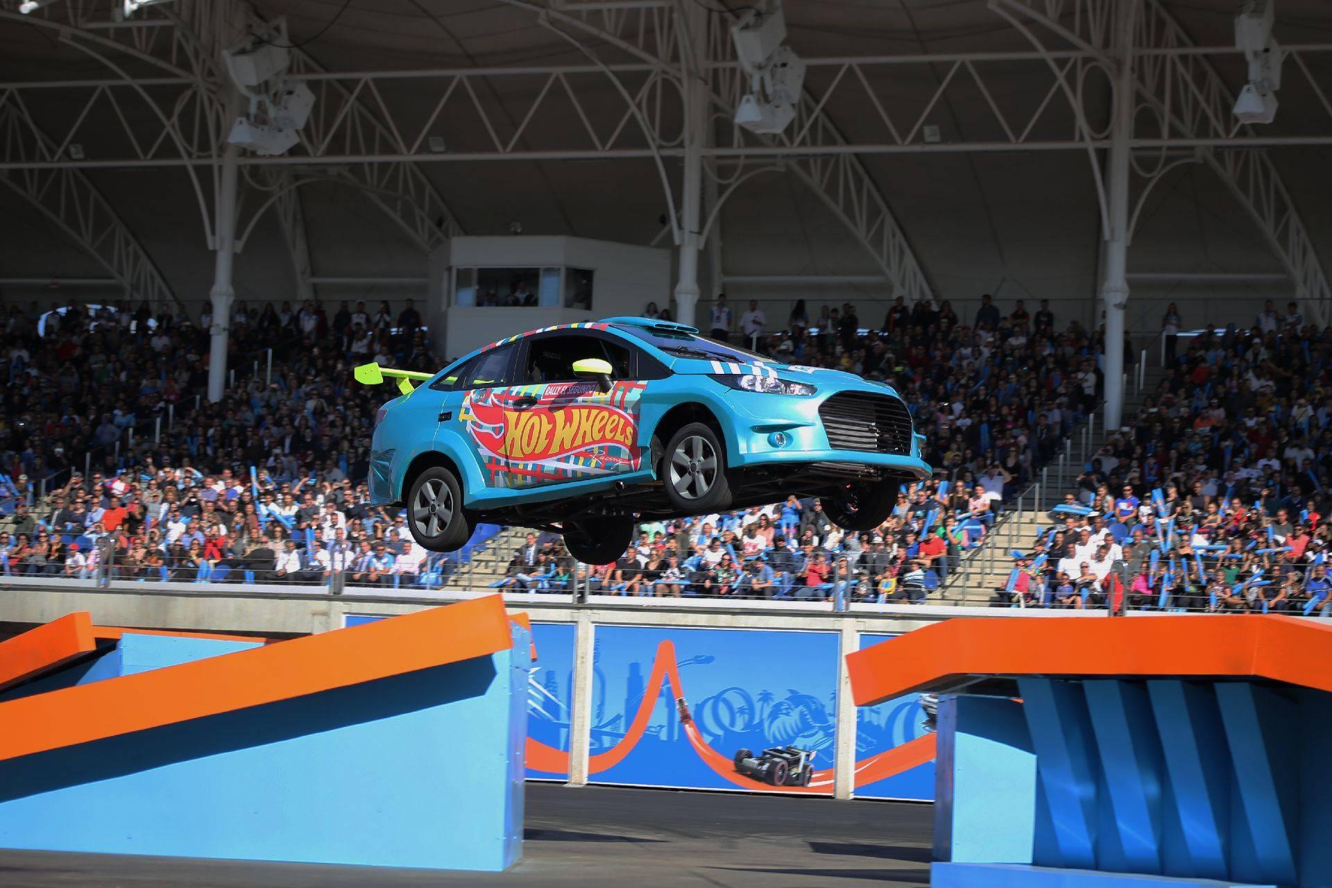 Hot Wheels Epic Show: show de manobras radicais com veículos é uma das atrações do parque. Foto: Divulgação