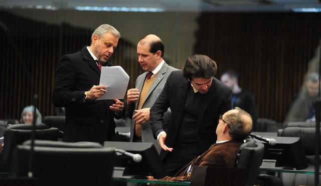 O deputado estadual reeleito Ricardo Arruda (PSL) é o campeão de gastos; o novato Luiz Fernando Guerra, também do PSL, foi quem menos registrou despesas