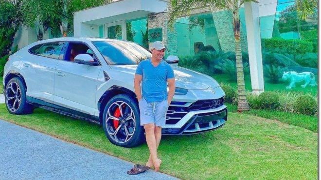 O sertanejo Eduardo Costa exibe nas redes sociais a novidade da sua garagem. Foto: Reprodução/ Instagram