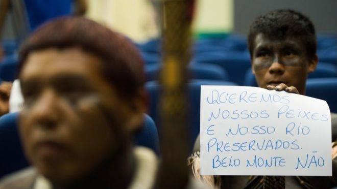 Índios do Xingu protestaram em apresentação de 2015 sobre o enchimento do reservatório da Usina Hidrelétrica de Belo Monte, no rio Xingu