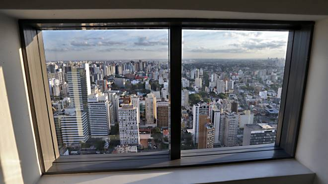 Sol vai elevar a temperatura em Curitiba nesta quarta-feira.