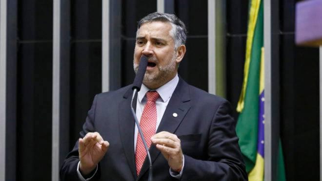 O líder do PT na Câmara, Paulo Pimenta