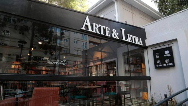 Livraria Arte e Letra em novo endereço, no bairro Batel.