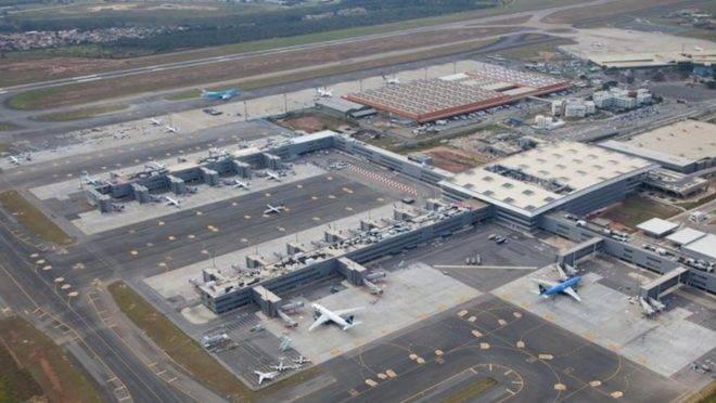 Carros usados em tentativa de assalto em aeroporto não pertencem à Aeronáutica