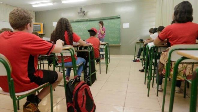 Desempenho nos anos finais do ensino fundamental pode melhorar com a adoção de boas práticas utilizadas nas escolas bem-sucedidas.