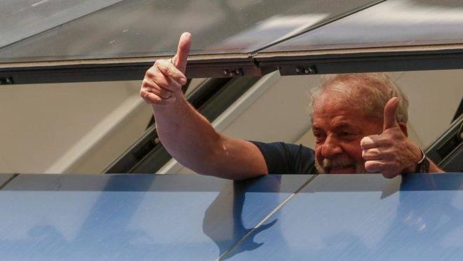 Lula pode deixar a prisão a qualquer momento.