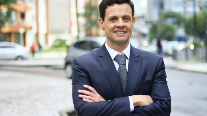 Leonardo Pissetti é presidente da ADEMI-PR. Os dados  da associação mostram que a cidade tem pouco mais de 5,5 mil apartamentos disponíveis, ante uma demanda que gira em torno de 20 mil unidades por ano.