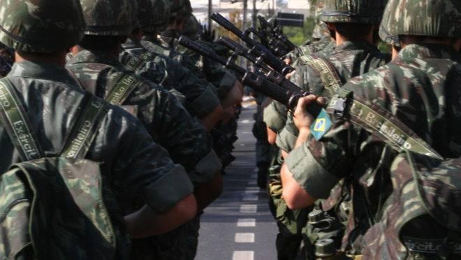 Militares do Exército em desfile do Sete de Setembro