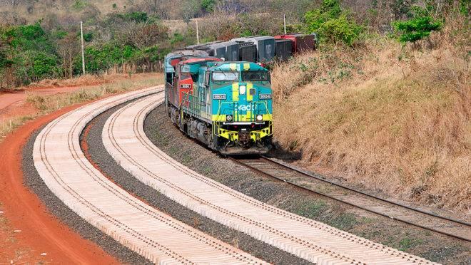 Trecho da ferrovia Norte-Sul.