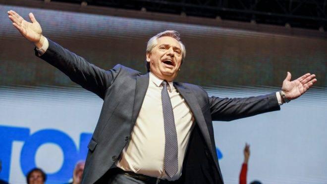 Alberto Fernández, cuja vice é cristina Kirchner, vence primárias na Argentina