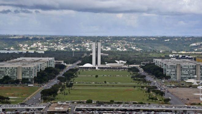 Orçamento é tema de debate entre Executivo e Legislativo