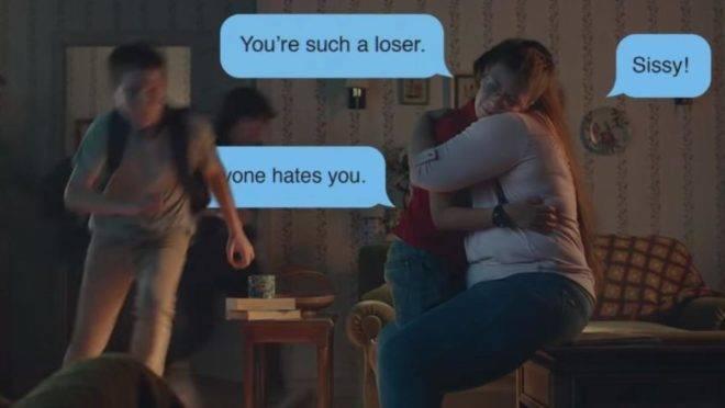 Cena da nova propaganda da Gillette, que defende um melhor comportamento masculino | Reprodução