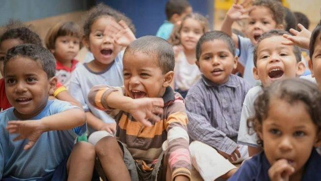 ACreche Alecrim, criada pela ex-catadora de lixo Maria de Jesus, passou a oferecer cuidados básicos a cerca de cem crianças da Vila Estrutural, na periferia do Distrito Federal | Divulgação