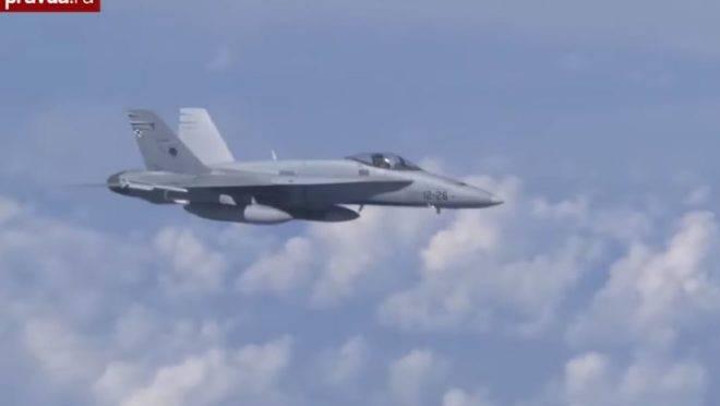 Caças da Rússia interceptaram um F-18 da Otan que tentou se aproximar do avião em que viajava o ministro da Defesa da Rússia Serguei Shoigu, durante sobrevoo nas águas neutras do Mar Báltico, 13 de agosto de 2019