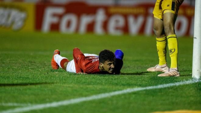 Caio Monteiro vem sendo testado no ataque do Paraná, que não marca há quatro jogos na Série B 2019