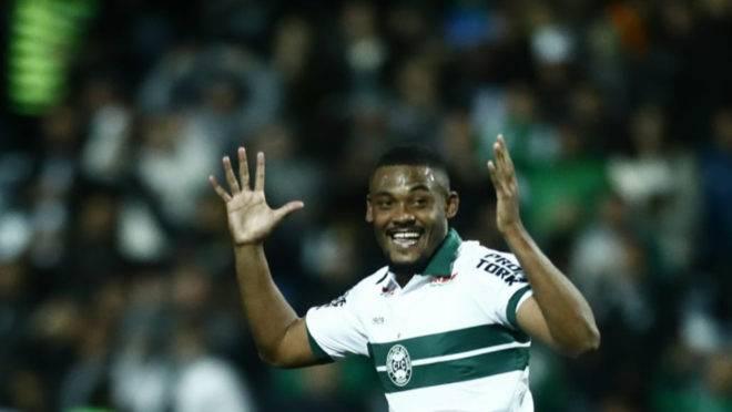Sabino abriu o placar para o Coritiba contra o Brasil de Pelotas