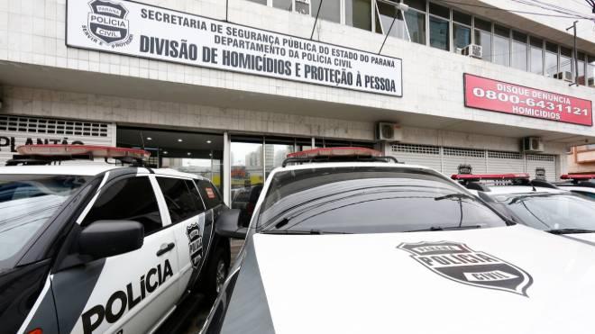 Delegacia de Homicídios e Proteção à Pessoa investiga atentado contra homem que passeava com o cachorro.