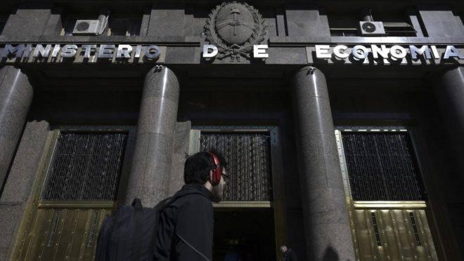Ministério da Economia da Argentina, em Buenos Aires, 14 de agosto de 2019. O presidente Mauricio Macri anunciou aumento de salário e corte de impostos para melhorar o cenário econômico após vitória de seu rival esquerdista nas primárias no fim de semana