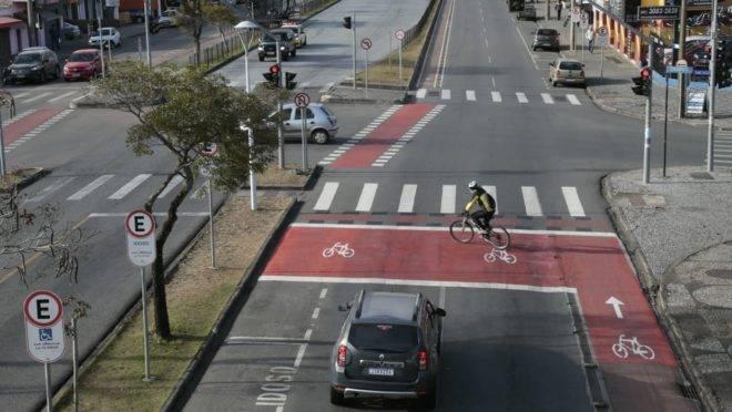 Vista aérea da bicicaixa em um cruzamento do bairro Hauer