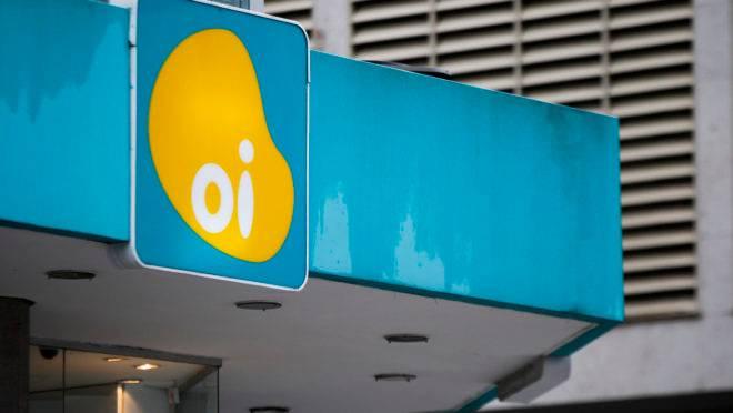 Em 2016, a Oi entrou com pedido de recuperação judicial, com dívidas estimadas em R$ 65 bilhões