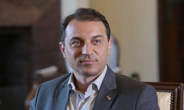 O governador de Santa Catarina, Carlos Moisés, eleito na onda bolsonarista, ele tem se distanciado da agenda defendida pelo presidente Jair Bolsonaro.