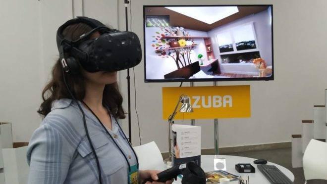 Startup de realidade virtual Azuba, em stand na 28º Feira de Imóveis do Paraná. Foto: Eloá Cruz / Gazeta do Povo.