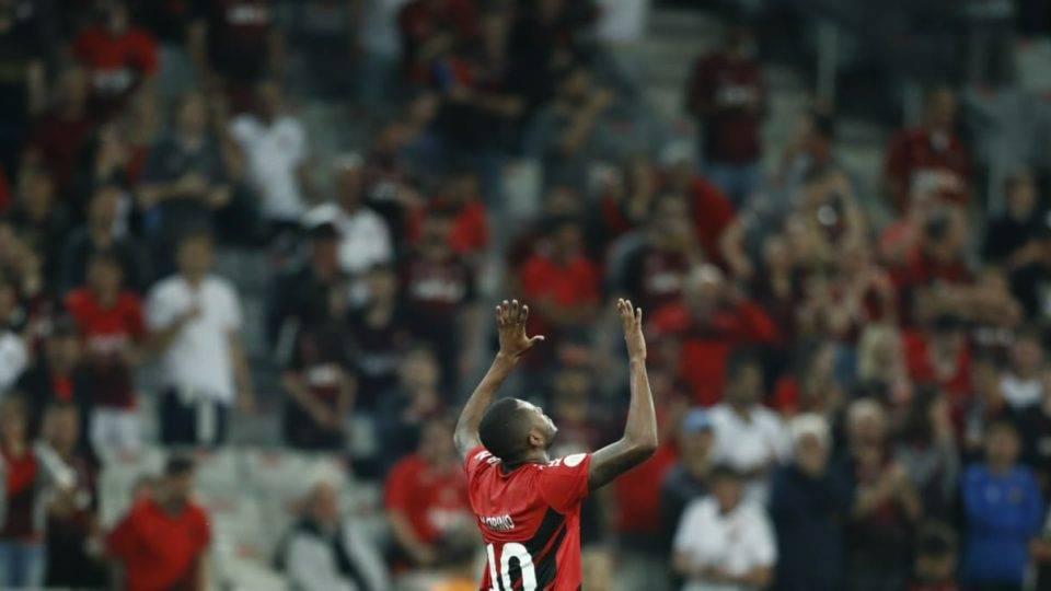 Santos e Cirino se destacam; Thonny Anderson destoa. Veja as notas de Athletico x Atlético-MG