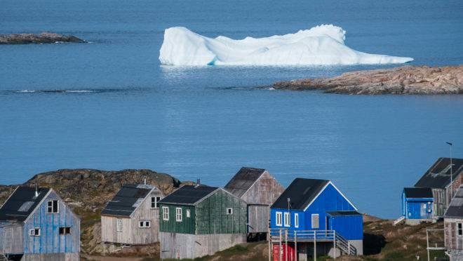 Políticos dinamarqueses afirmam que a Groenlândia não está à venda.