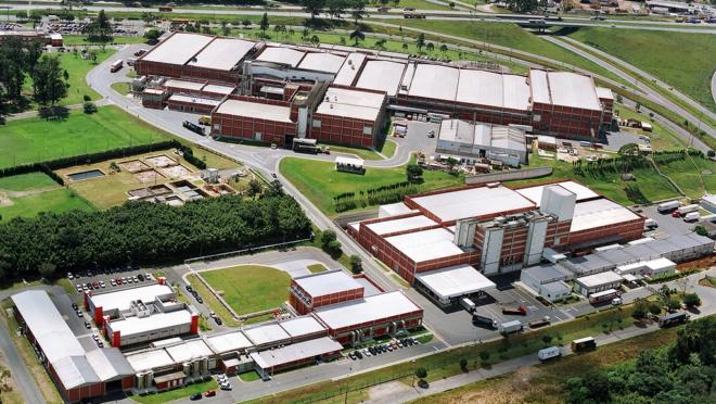 Planta da Mondelēz Internacional em Curitiba. Unidade emprega 2 mil trabalhadores.