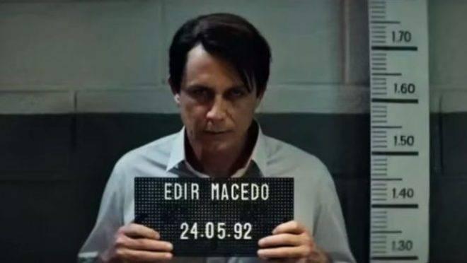 Cena do filme 'Nada a Perder': Petrônio Gontijo interpreta Edir Macedo