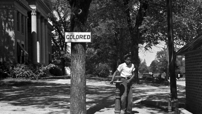 Dados mostram que os problemas enfrentados pelos negros norte-americanos se deve à ruptura da estrutura familiar, não à discriminação racial.