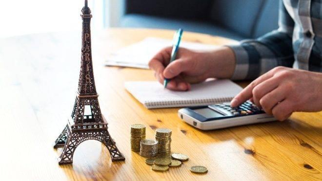 Antecedência na compra, destinos nacionais ou internacionais, pacotes completos. O que levar em conta para economizar na viagem de férias?